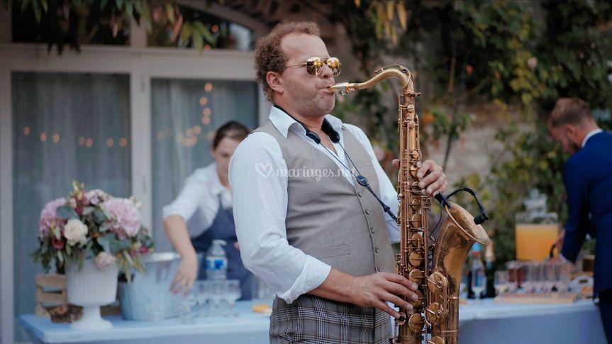 Saxophoniste - vin d'honneur