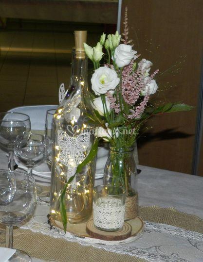 Mariage de bouquet et bouteille