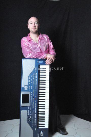 Joël (Claviers - Saxophones)