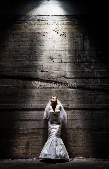 La mariée sous la lumière