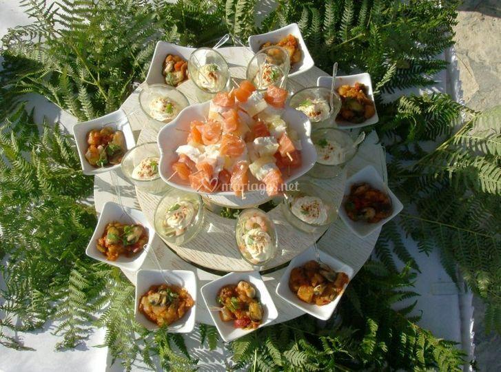 Brochettes de saumon et petites entrées