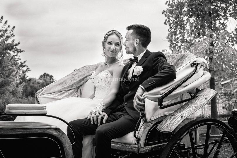 Photos de mariés en calèche