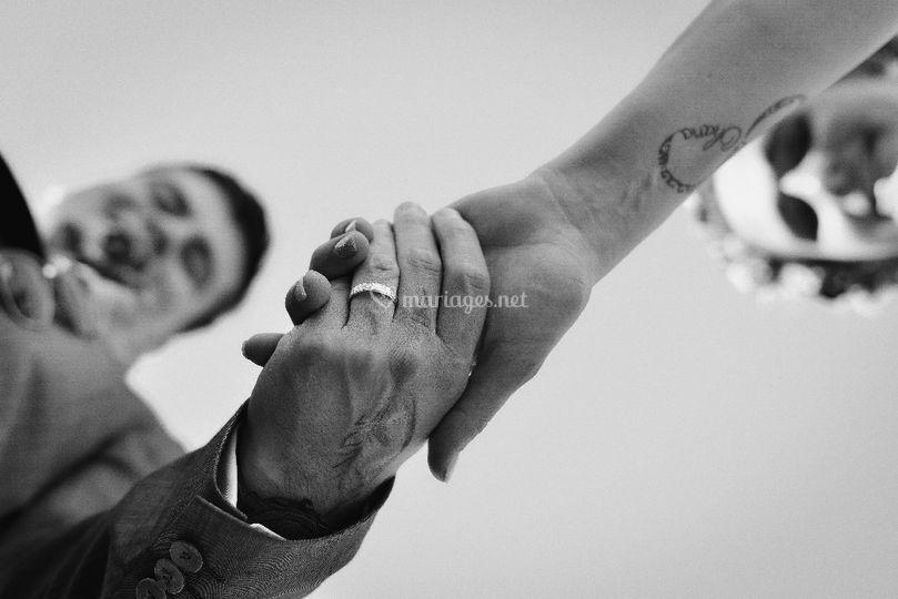Mains dans la mains