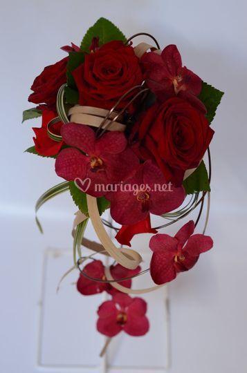 Vandas et roses rouges