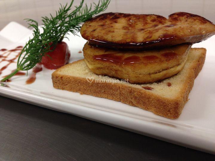 Foie gras et pomme caramélisée