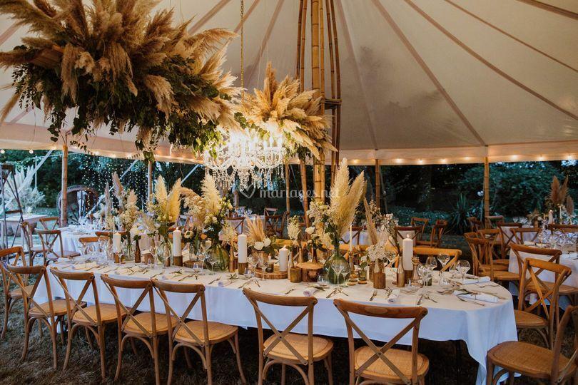 Bambou et chaises bistrots