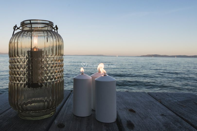 Bougies au bord de mer