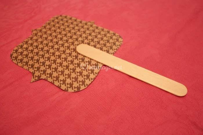 tutoriel pour fabriquer des petits ventails pour votre mariage. Black Bedroom Furniture Sets. Home Design Ideas