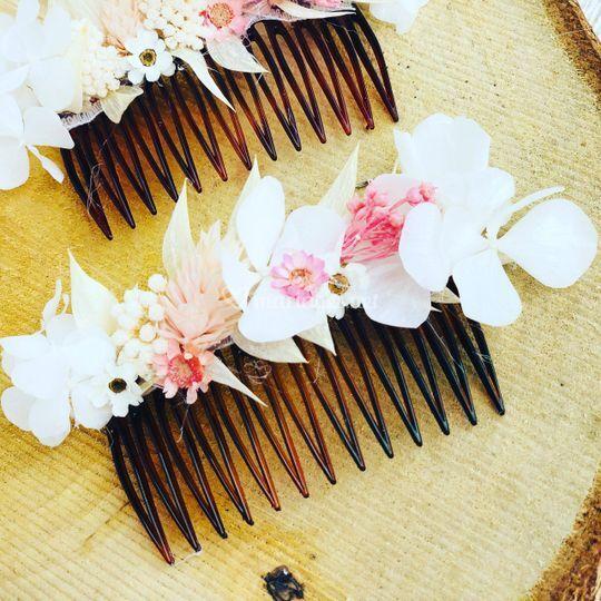 Peigne en fleurs stabilisées
