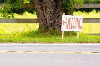 Les panneaux de direction de votre mariage
