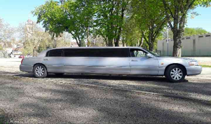 Limousine Ford Lincoln grise