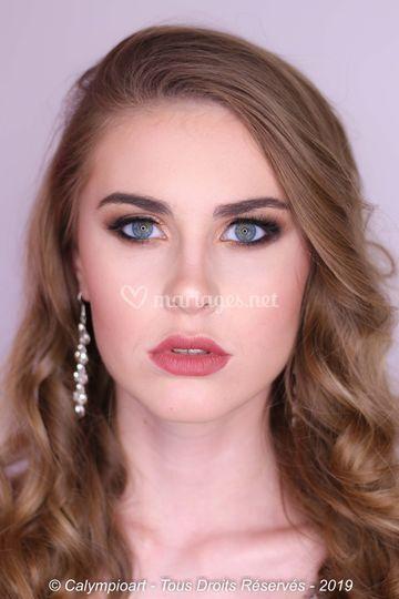 Maquillage mariée sophistiqué