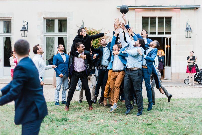 Lancer de bouquet masculin