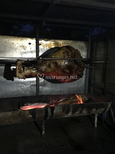 Cuisse de bœuf à la broche