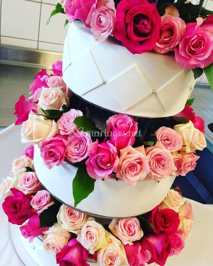Wedding Cake Fleurs Fraiches De Happy House Cakes Photo 2