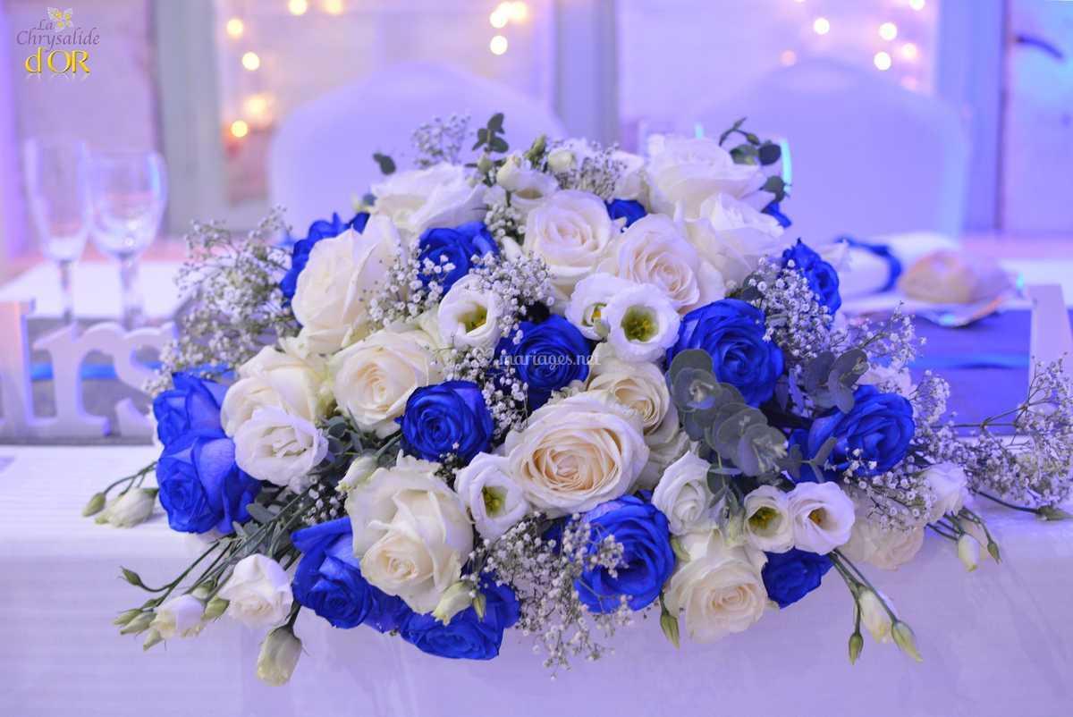 D Coration Bleu Roi Et Blanche De La Chrysalide D Or Photos