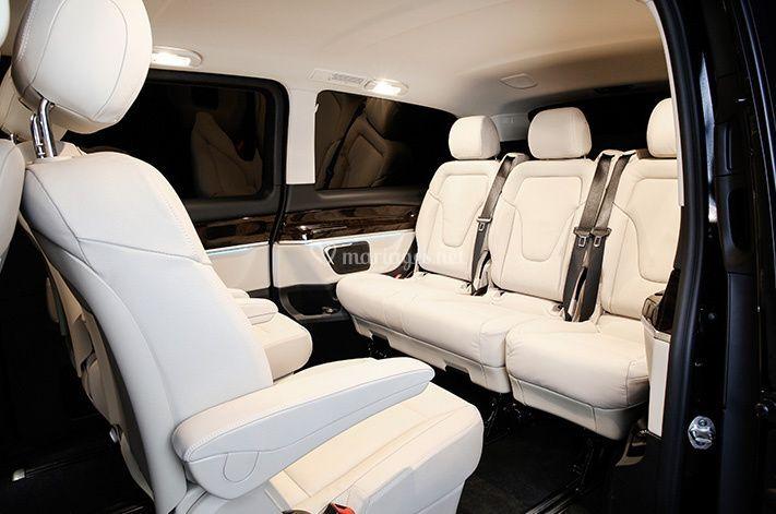 Minivans pour les invités