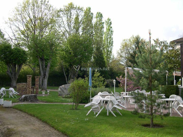 Terrasse sur pelouse