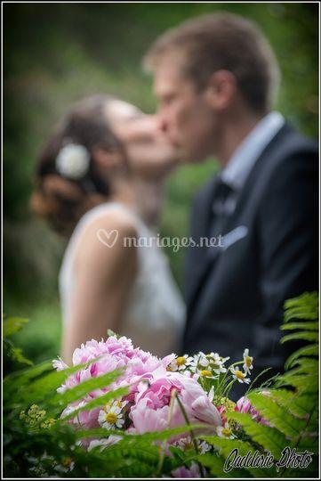 Derrière le bouquet
