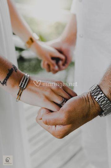 Donne-moi tes mains