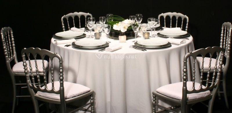 Table moyenne de gamme