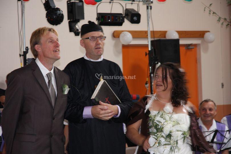 Une surprise attend les mariés