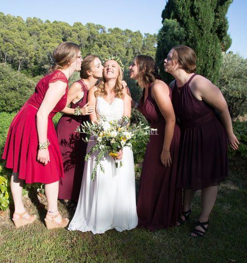 La mariée et les demoiselles