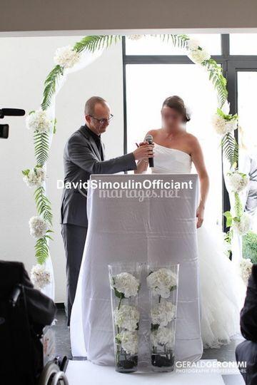 Mariée et officiant