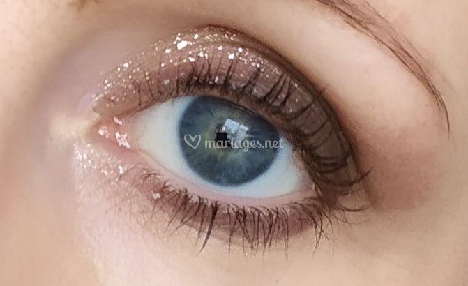 Maquillage marron/paillettes