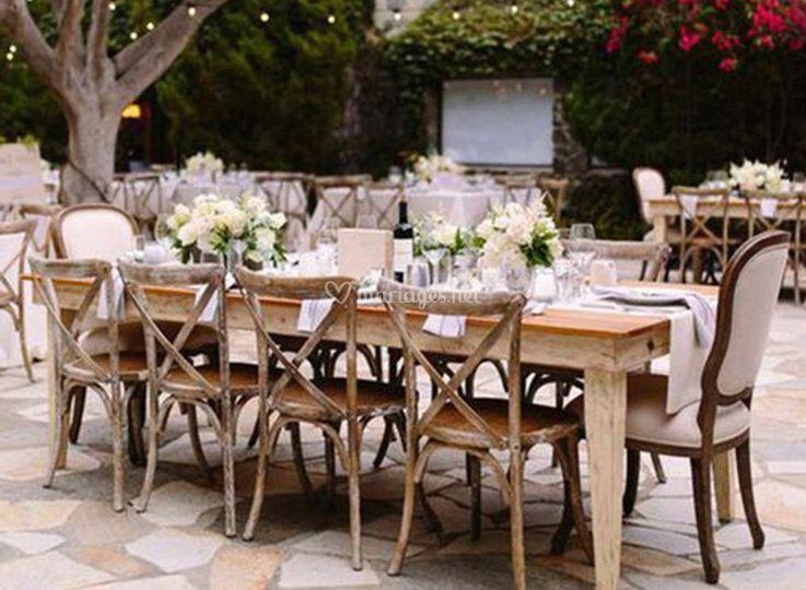 Table fleurs invités