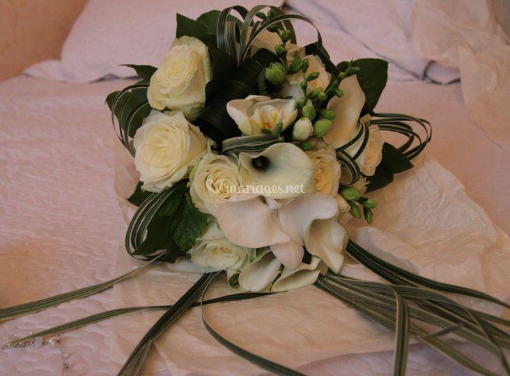 Modèle bouquet vert-blanc