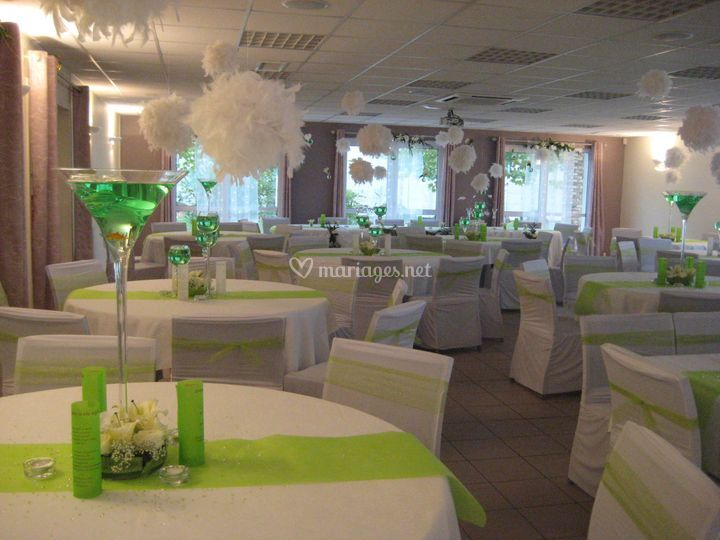 Les salons du lys for Deco salon vert anis