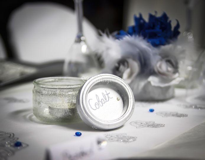 Marque table bleu d'orient