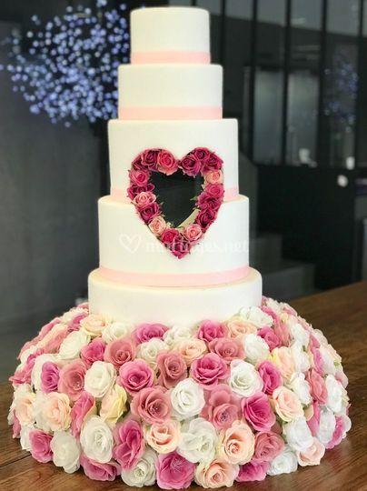 Wedding cake coeur intégré