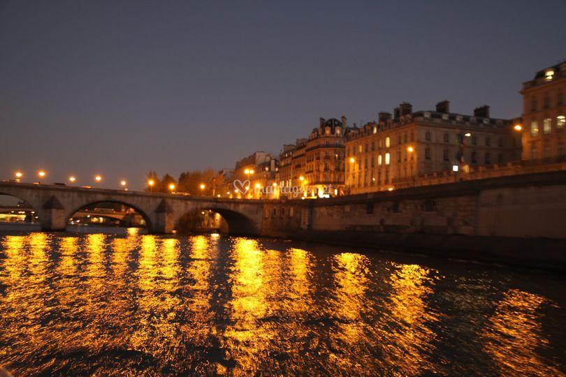 La Seine de nuit, magique !