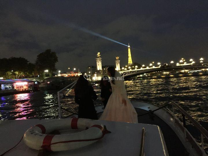 Mariée sur le pont avant
