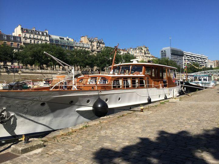 Yacht-En-Seine