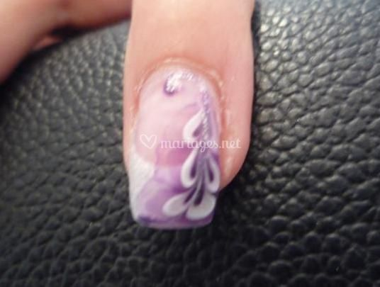 Motifs violets
