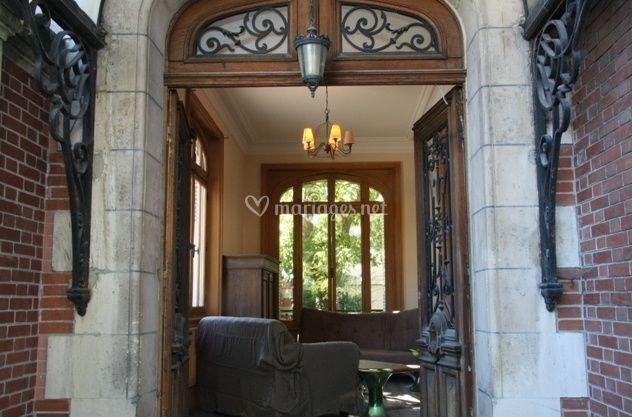 le porche d 39 entr e de g te villa belle epoque photo 1. Black Bedroom Furniture Sets. Home Design Ideas