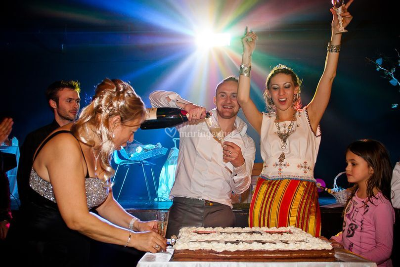 Ambiance, champagne, gâteau
