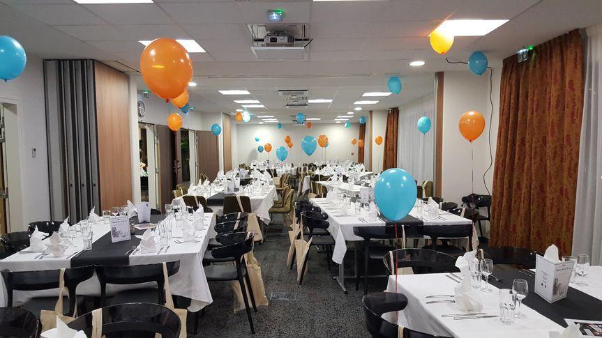 Salons dressé pour un banquet