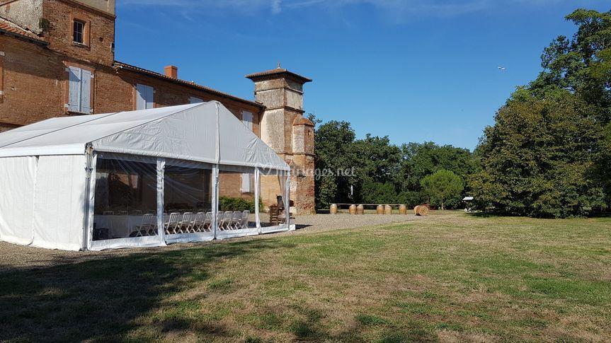 Tente dans le parc