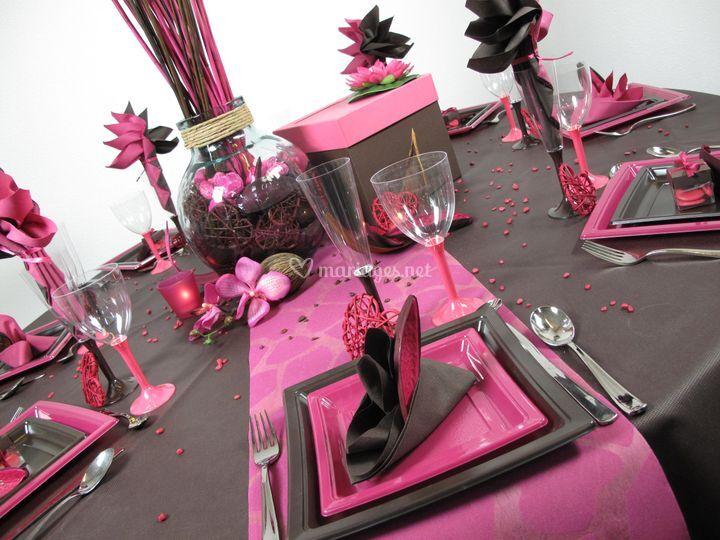 Table chocolat fuchsia