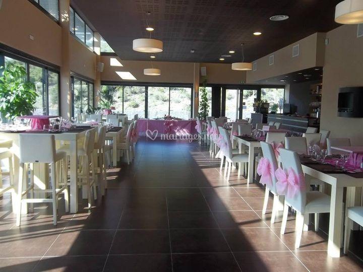 Salle décorée thème rose