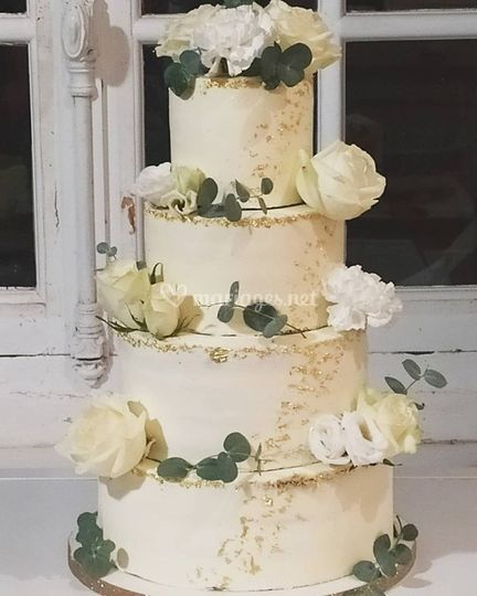 Naked cake et feuille d'or