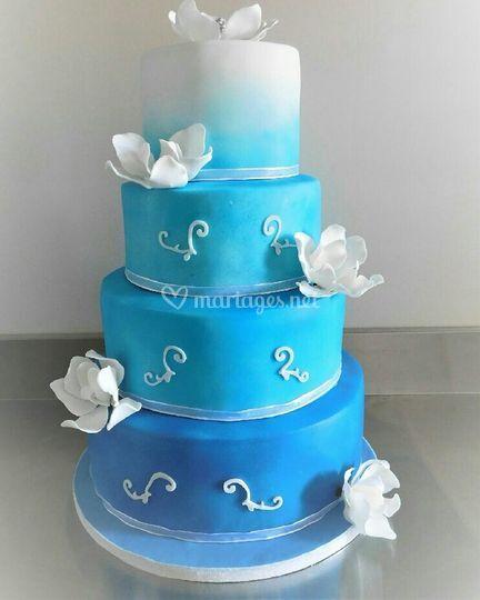 Wedding cake dégradé bleu