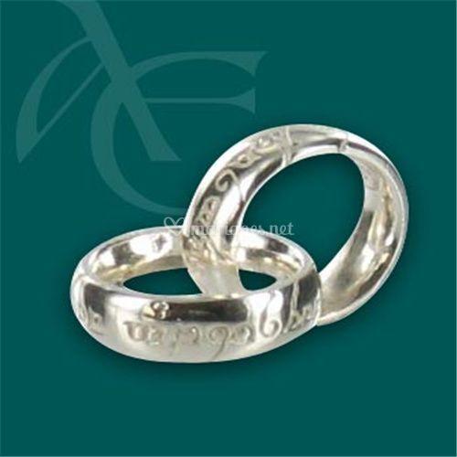 Pendentif mini anneaux enlacés