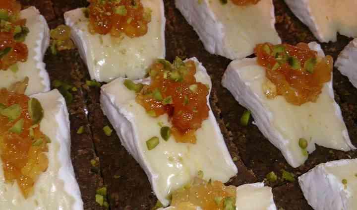 Camembert au confit de poires