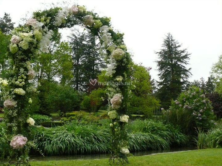 Arche fleuri pour un mariage
