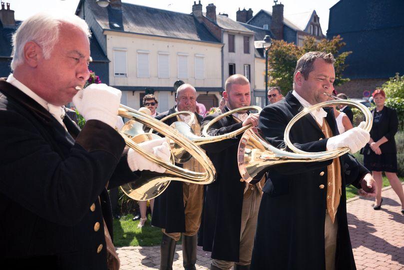 Sonneurs de cors sortie mairie